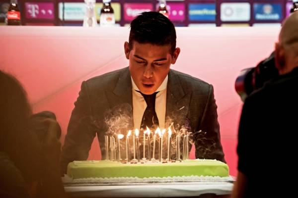 James cumpleaños