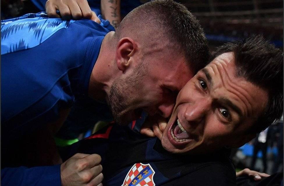 ¿Quién es el fotógrafo que fue derribado en el festejo de Croacia?