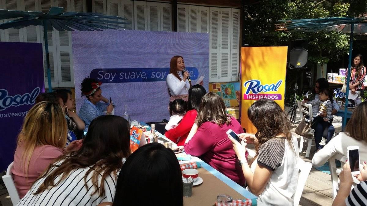 """GrandBay – Papelera Internacional S. A. presentó la nueva campaña de Rosal Soft Plus: """"Soy suavidad, soy fuerza, inspirados en ti"""". Foto: David Lepe Sosa"""