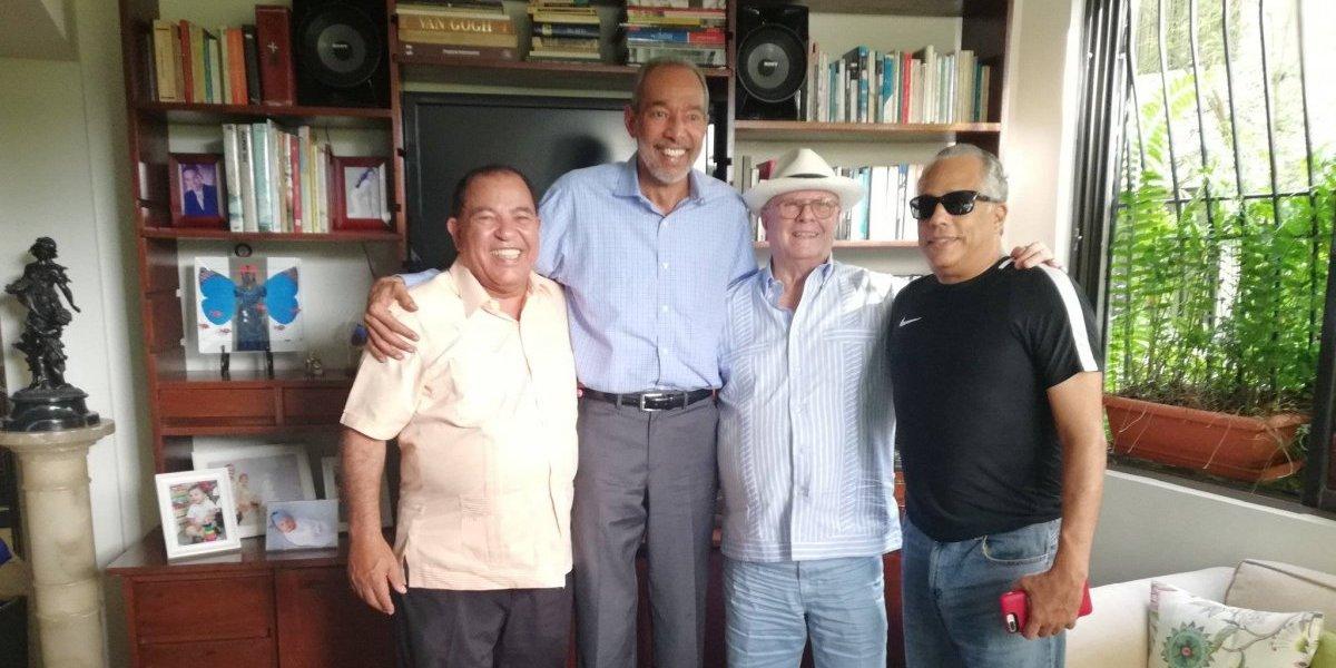 Hipólito Mejía visita al exjugador de baloncesto Franchi Prats