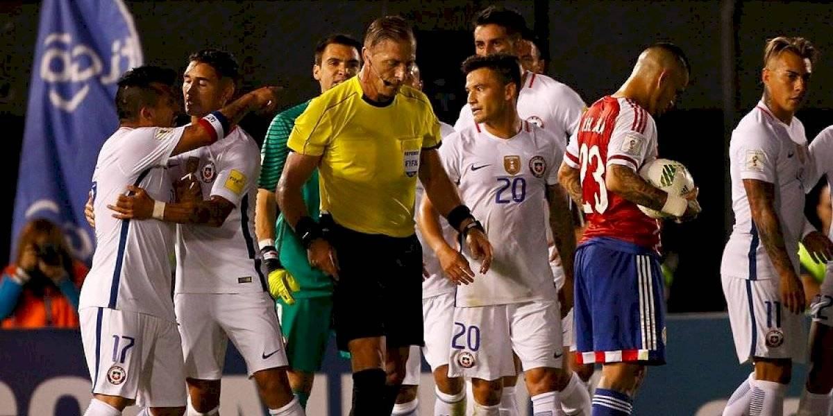 Néstor Pitana, el árbitro finalista de un Mundial, que castigó a Gary Medel y con historial dispar dirigiendo a Chile