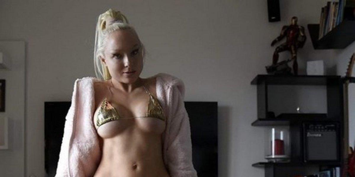 Modelo fitness apoya a Croacia con sexy body paint