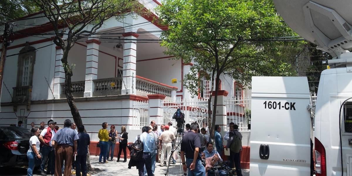 Blindan oficina de López Obrador por visita de Mike Pompeo