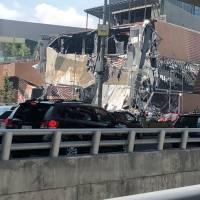 Se derrumba fachada de plaza ARTZ
