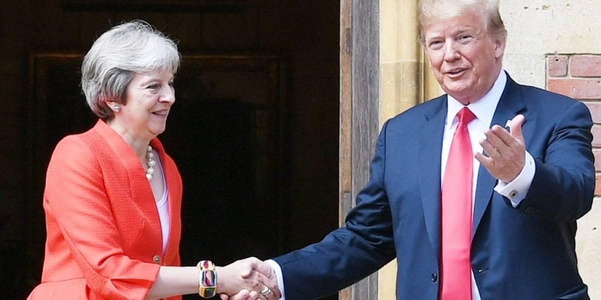 Trump llega al Reino Unido con críticas al brexit suave de May