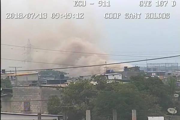 Incendio estructural en recicladora de Guayaquil