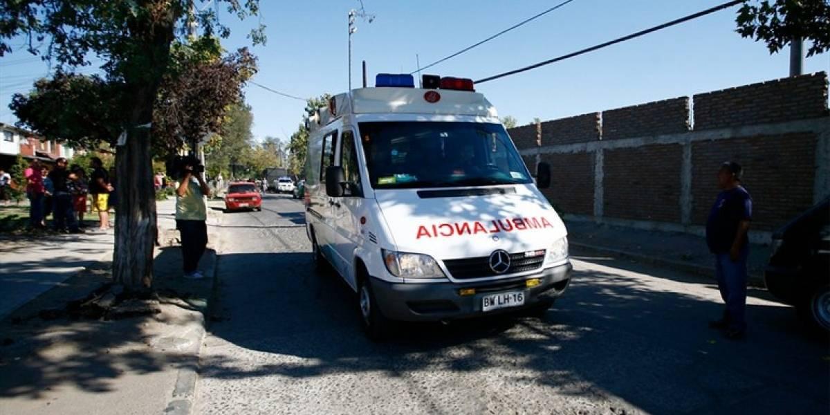 """Les dijeron """"lo más importante es la salud"""" y se fueron a hacer varios ¡salud! Paramédico y chófer se fueron de carrete por Calama en la ambulancia"""