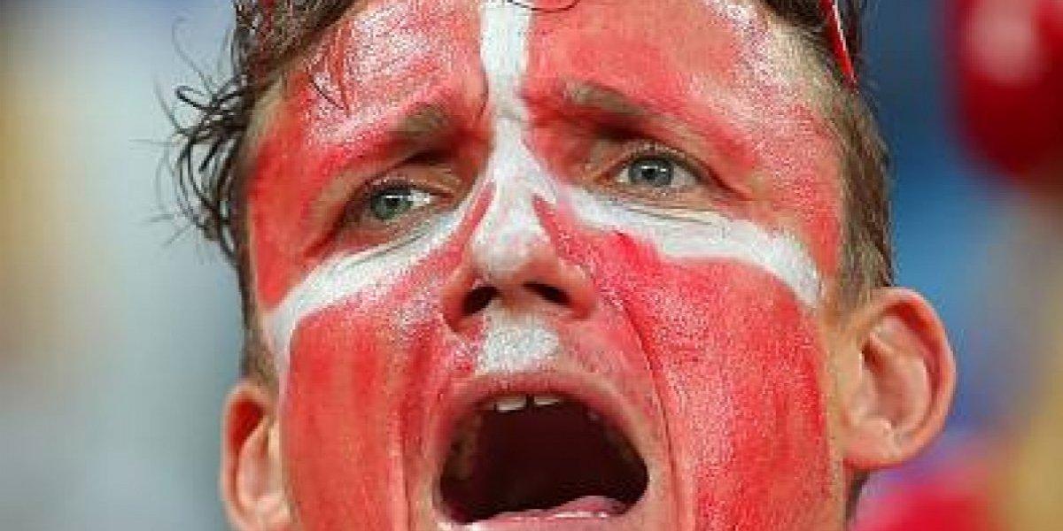 FIFA multó a selección de Dinamarca por un eslogan sexista de su hinchada