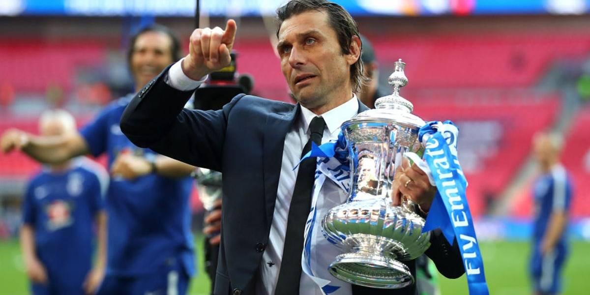Chelsea anuncia demissão do técnico Antonio Conte