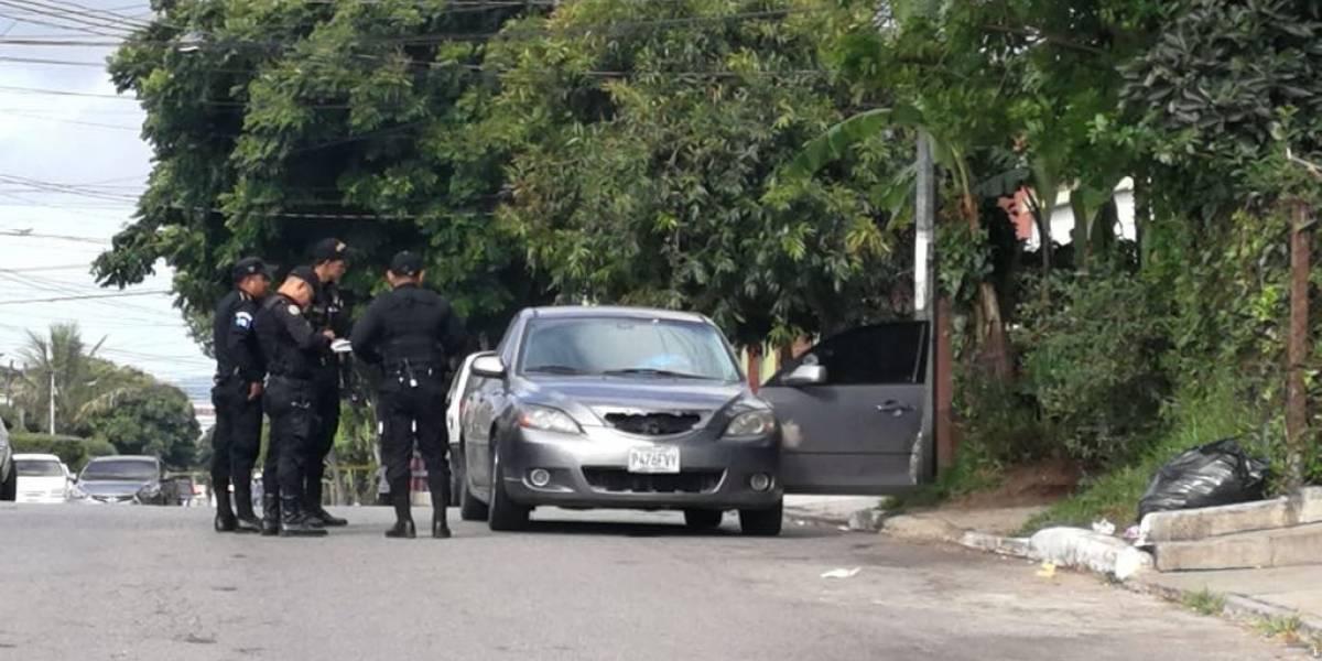 Conductor de vehículo muere tras ser atacado a balazos en la zona 12