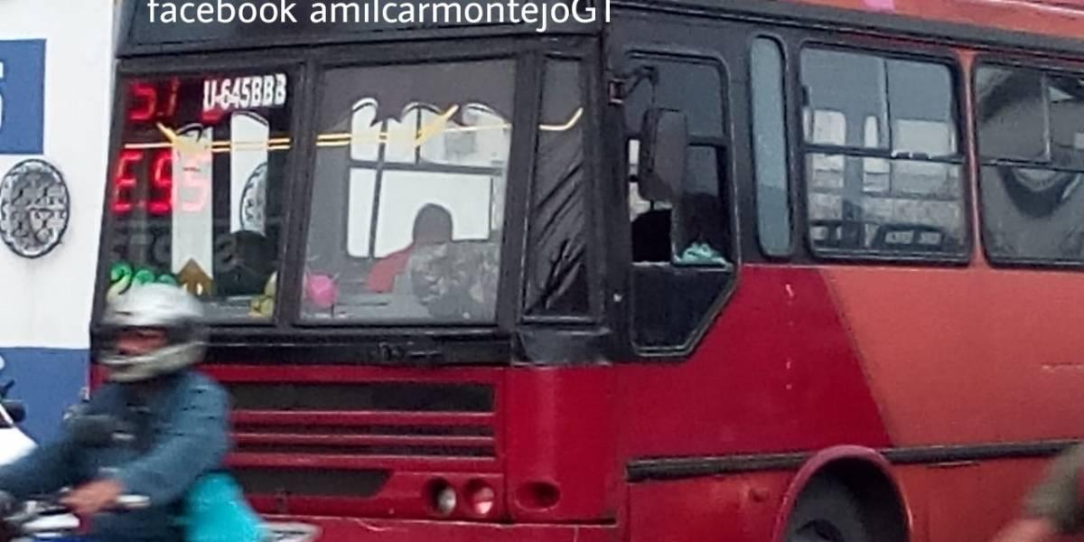 Cuatro heridos tras ataque armado contra bus en la zona 6