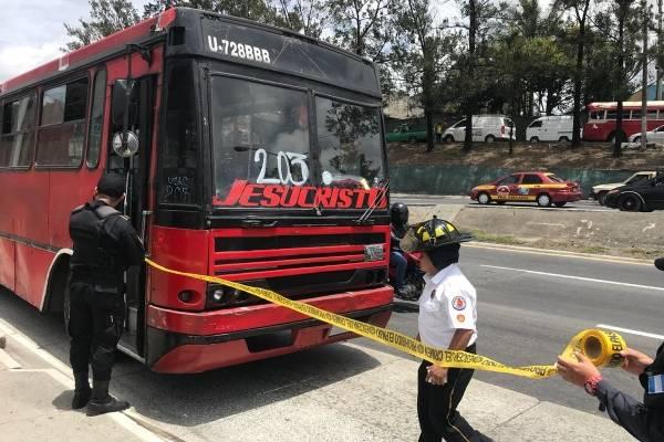 ataque contra bus ruta 203 en el Periférico