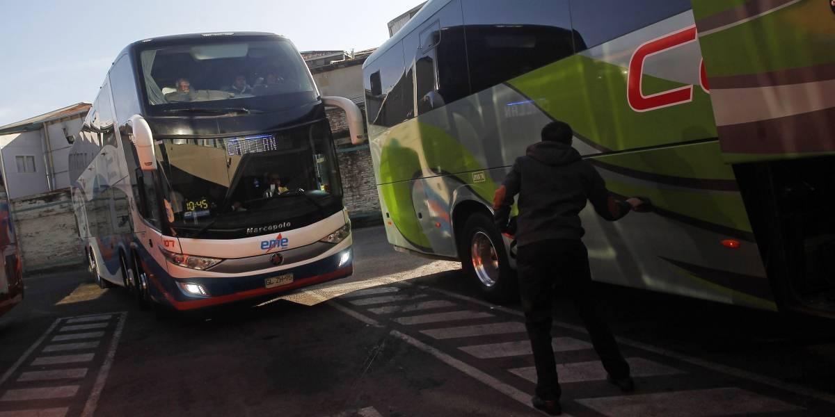 """Fin de semana largo con seguridad: ciudadanos deben denunciar a empresas de buses interurbanos que incurran en """"malas prácticas"""""""