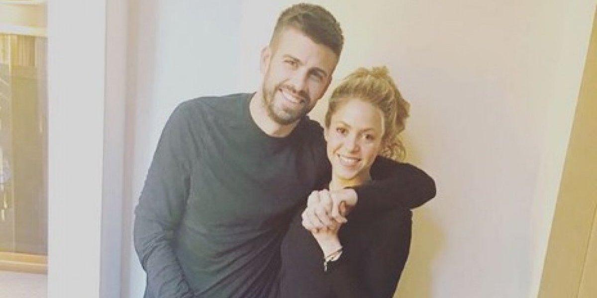 ¡Sin miedo a nada!: Captan a Piqué manoseando a Shakira en público