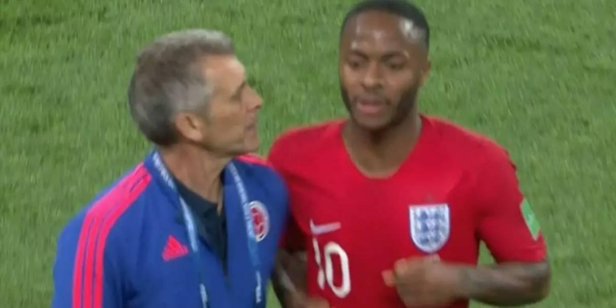 ¡Escándalo! Ingleses publican video donde asistente de Pékerman intenta golpear a Sterling