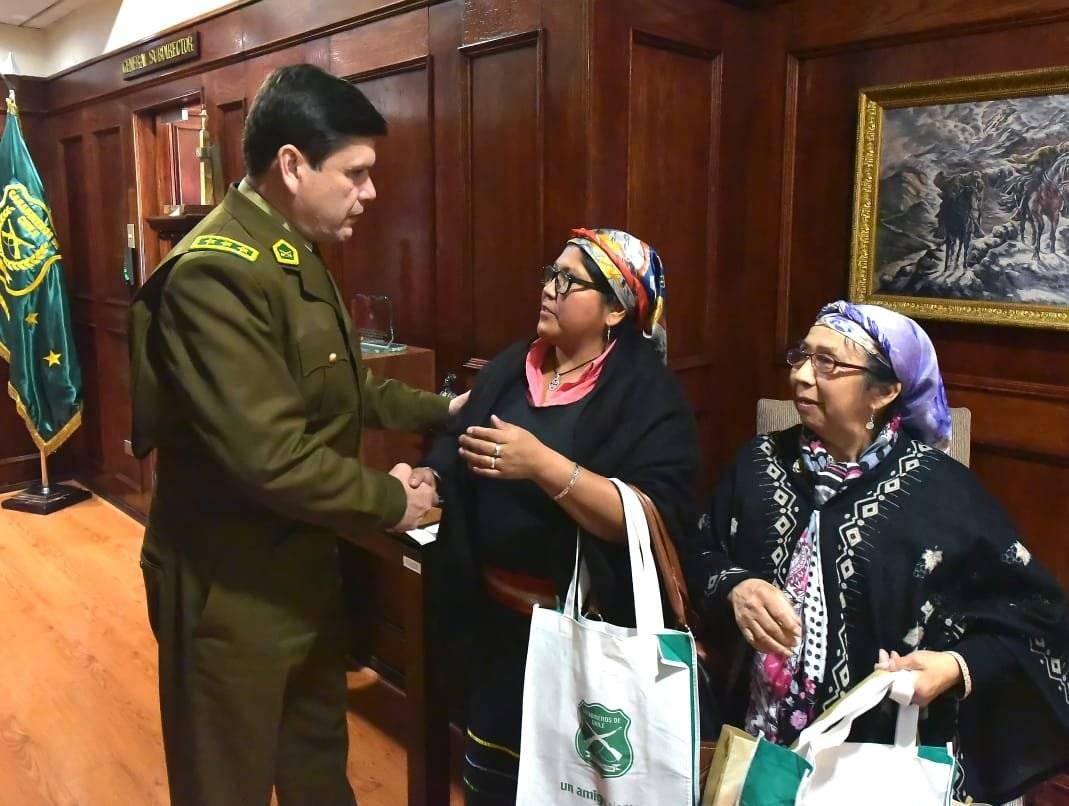 La curiosa reunión entre el alto mando de Carabineros y comunidades mapuche