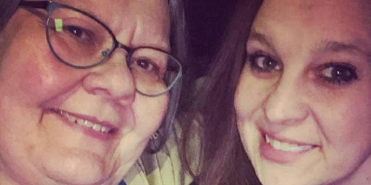 Madre e hija mueren en un horrible accidente luego de que una gigantesca roca de 500 kilos las aplastó tras caer desde un camión