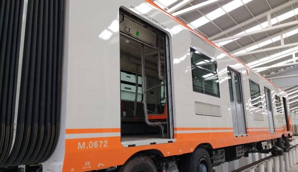 Con la integración de nuevos trenes, la Línea tendrá una reducción en los tiempos de traslado de pasajeros y mejorará su servicio. Al día, la línea traslada a aproximadamente 750 mil usuarios.