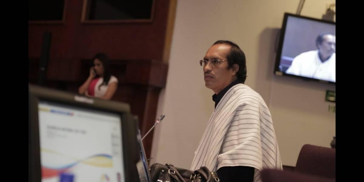 Pedro Curichumbi causa polémica en redes tras declaraciones en la Asamblea Nacional