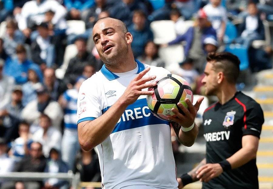 El Tanque Silva jugó 32 partidos en la UC y anotó 6 goles / Foto: Photosport