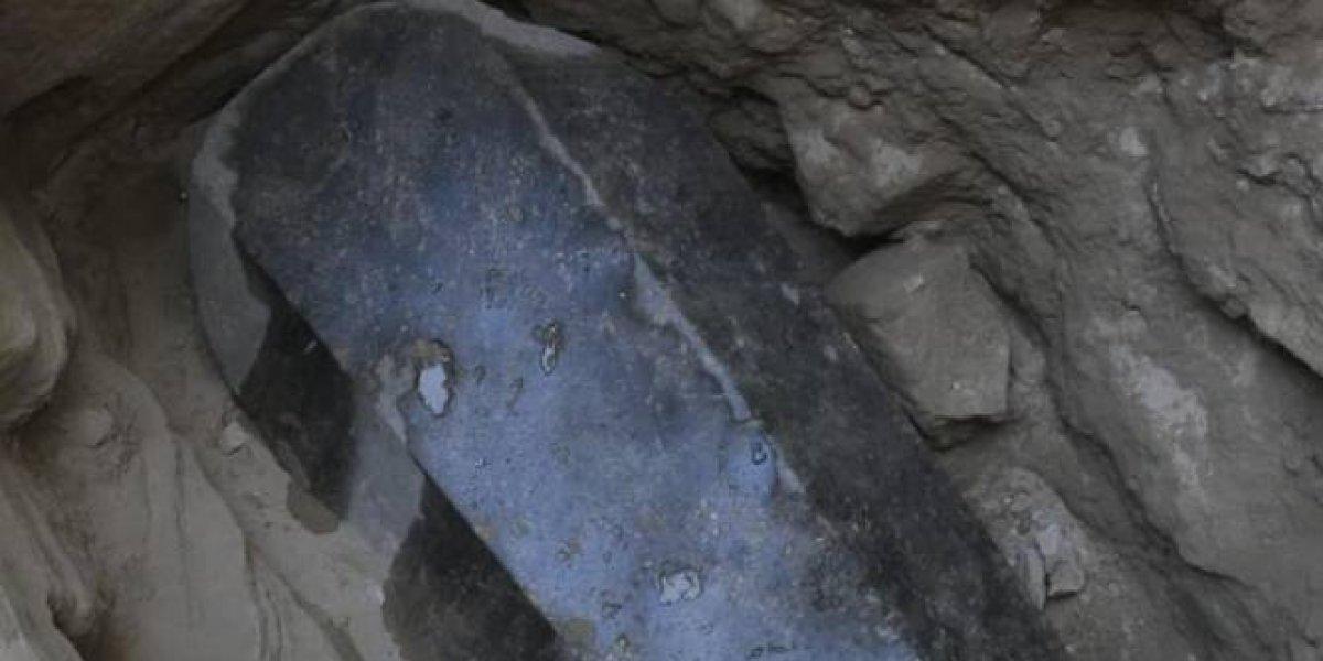 Hallan sarcófago de 2 mil años de antigüedad