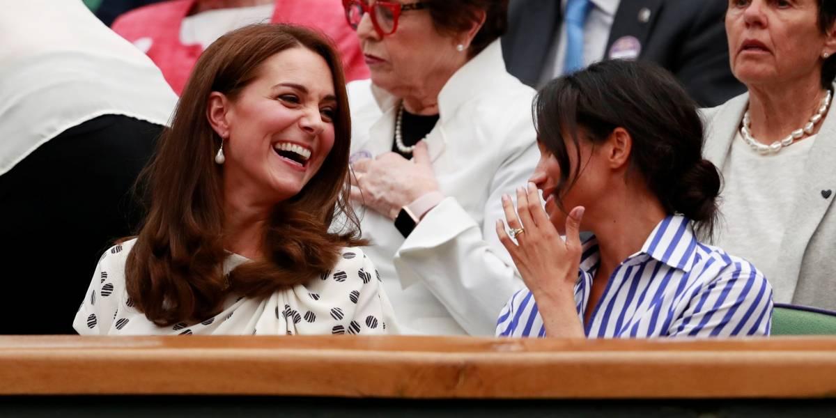 FOTOS: Meghan Markle e Kate Middleton assistem juntas à semifinal de Wimbledon