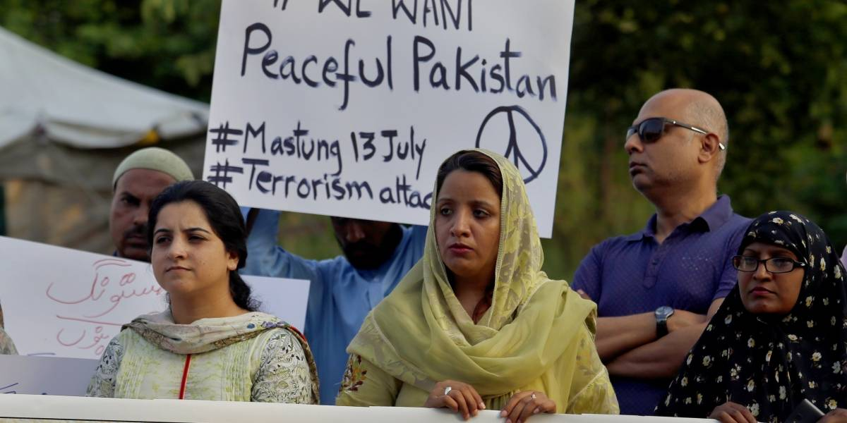 México condena atentados terroristas en Pakistán durante campaña electoral