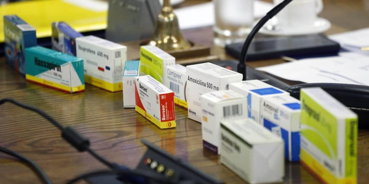 Salud alerta sobre importación de fármacos sin permiso para usarlos en Chile