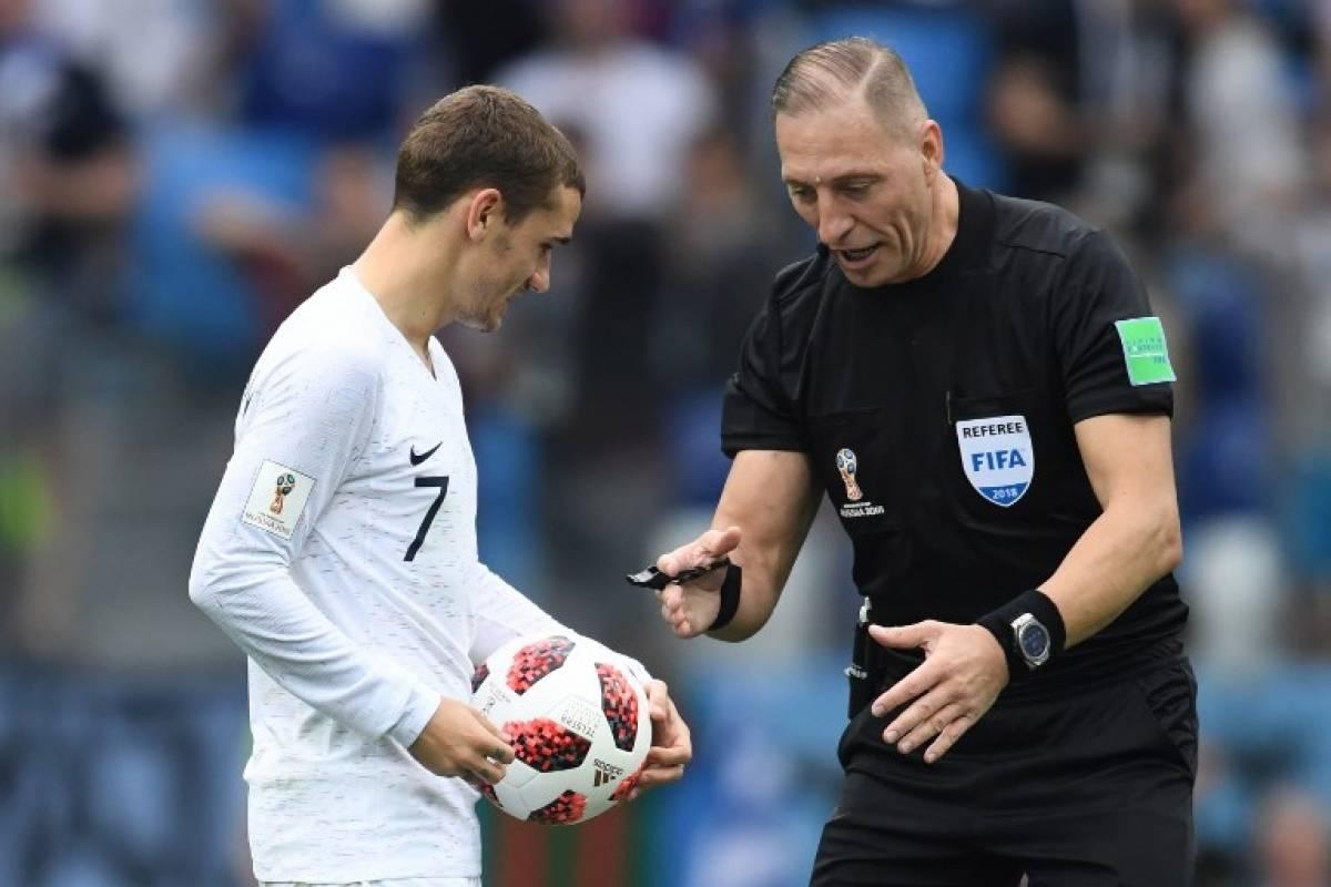 VAR hace historia al decretar penalti en Final de Mundial