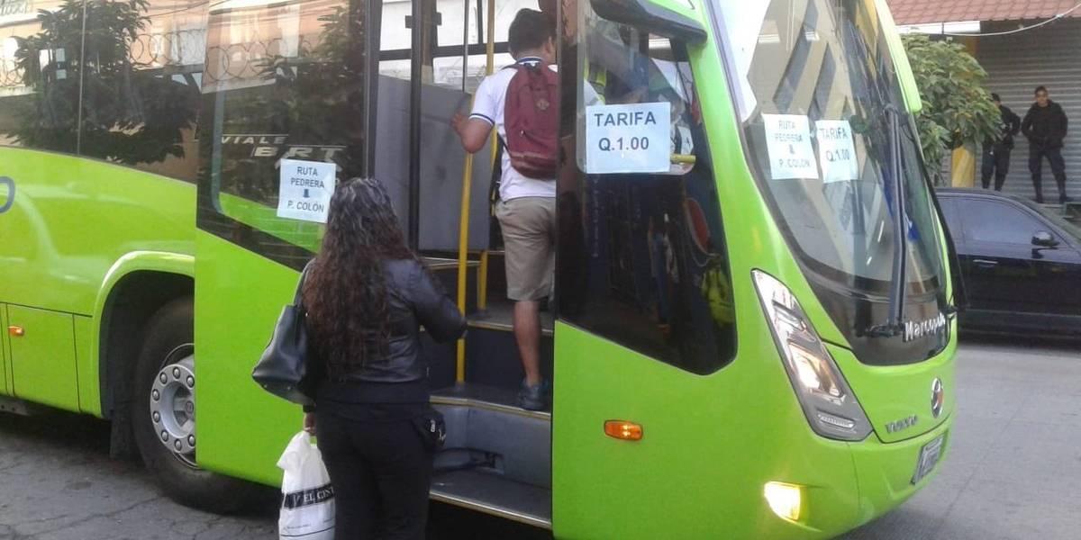 Transmetro mantiene servicio de zona 6 a Usac por paro de buses