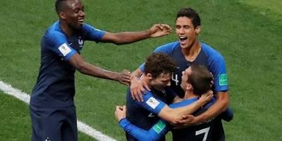 França comemora gol croacia