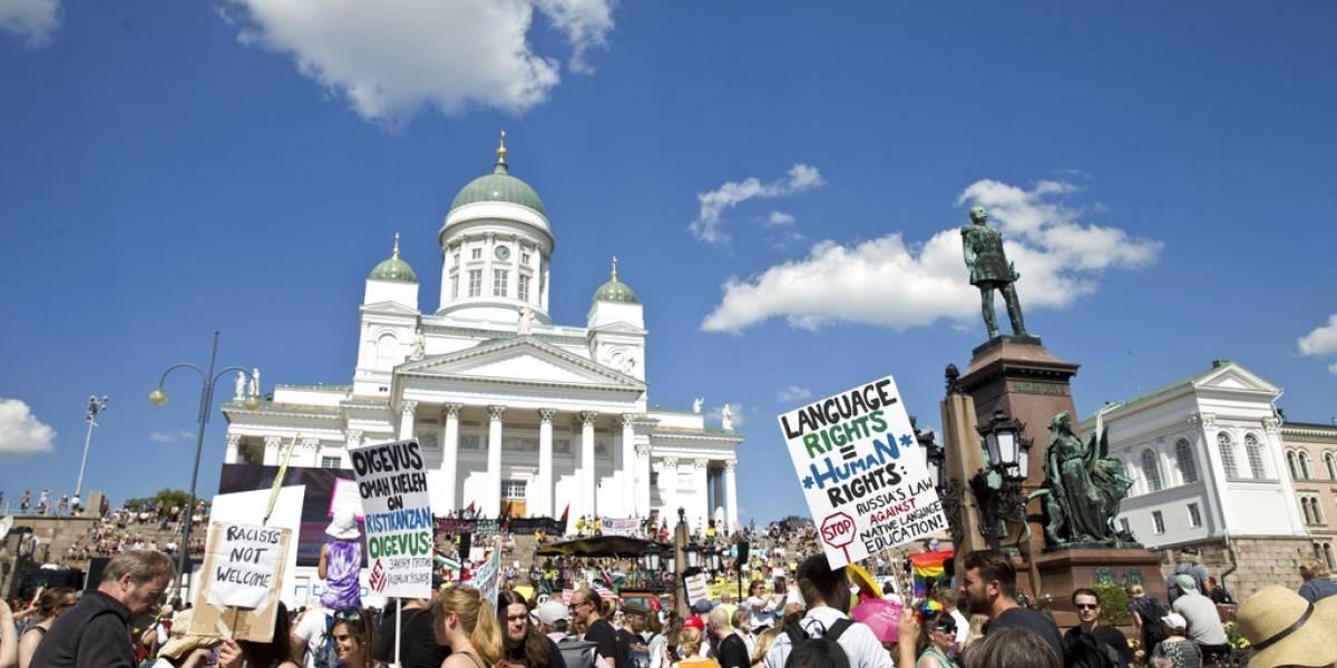Donde va, lo funan: Masiva marcha de protesta en Helsinki contra la cumbre de Trump y Putin