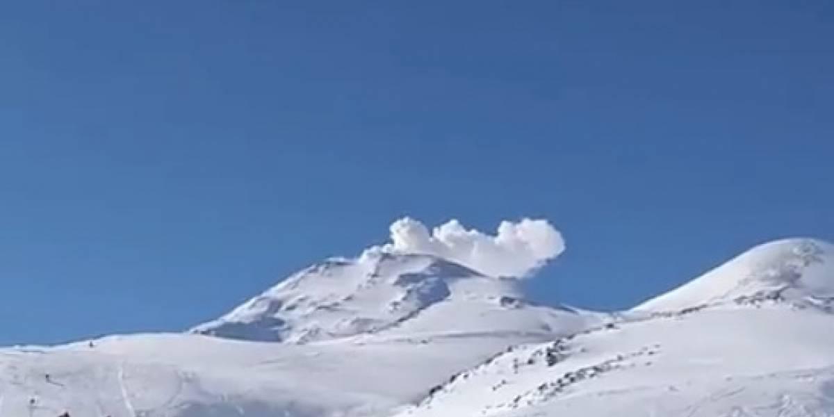 Volcán Nevados de Chillán: reportan tercera explosión que arrojó columna de cenizas de 340 metros