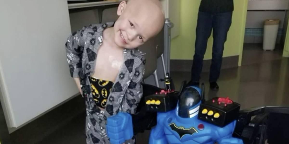 Murió el niño con cáncer que amaba el 'thrash metal' y a 'Batman'