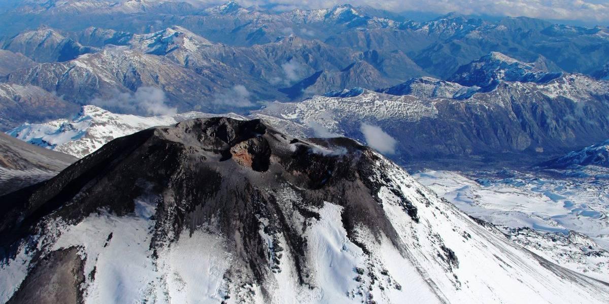Sigue alerta por Nevados de Chillán: autoridades mantienen monitoreo permanente por actividad del complejo volcánico