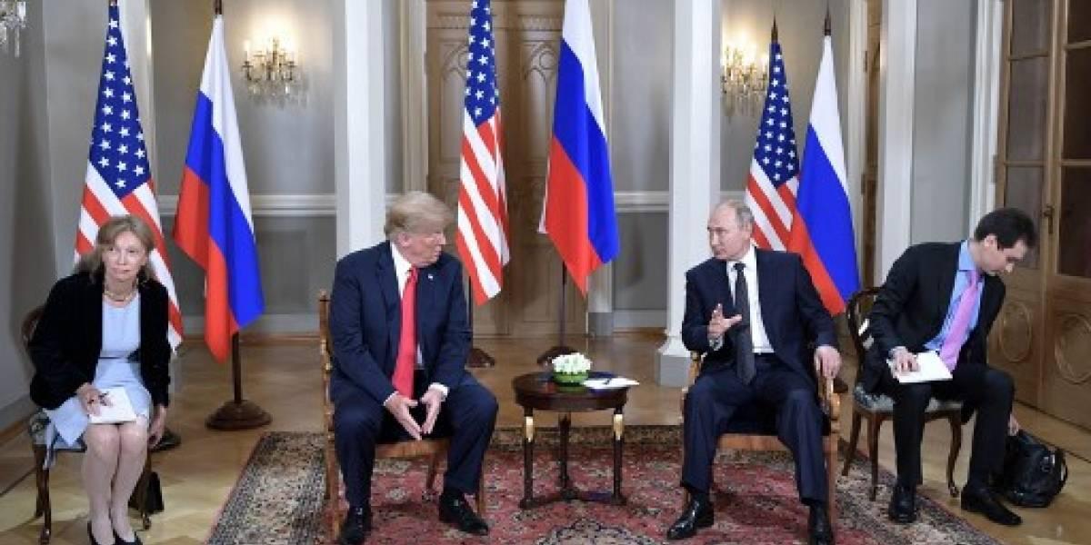 Trump y Putin se reúnen en el palacio de gobierno en Helsinki