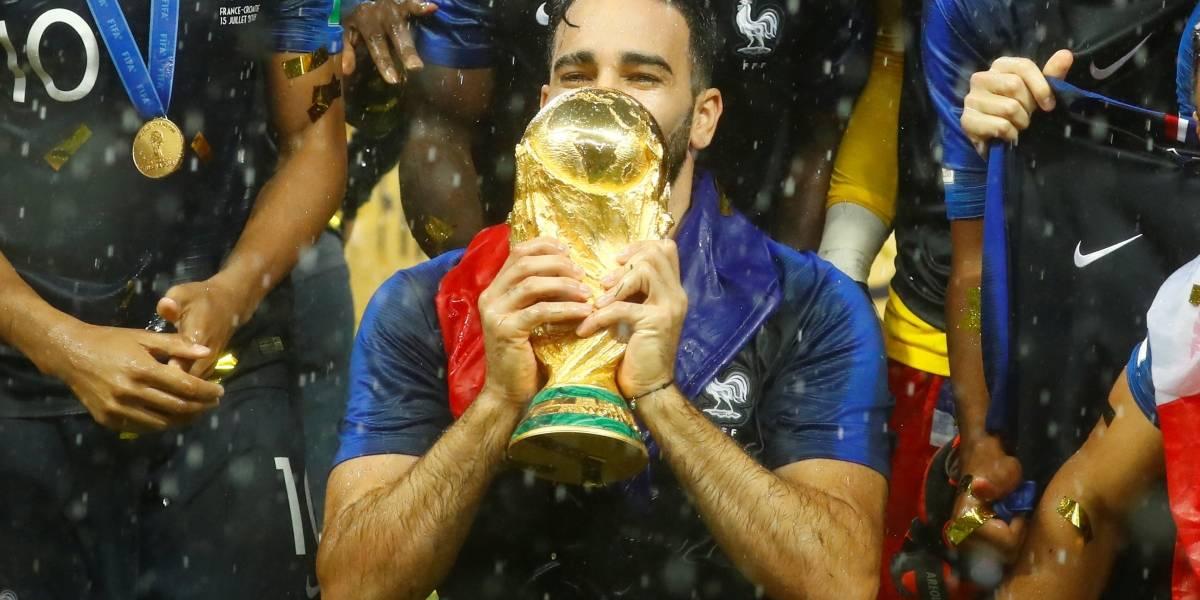 Francês Adil Rami se aposenta da seleção após ser campeão do mundo