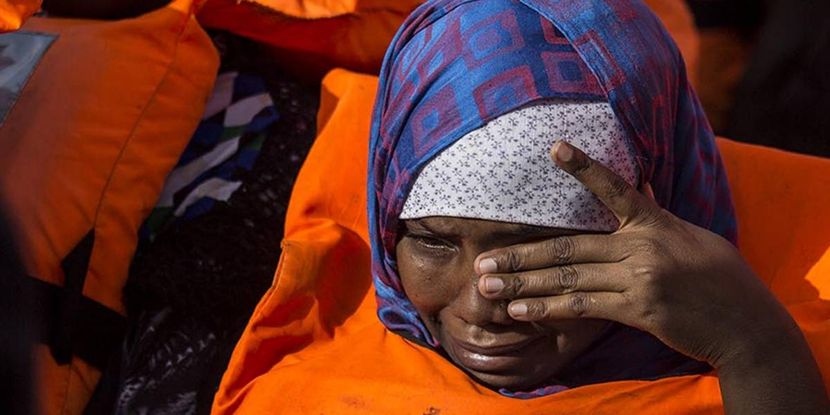 Refugiados: Seis niños y dos adultos murieron sofocados en contenedor de embarque libio