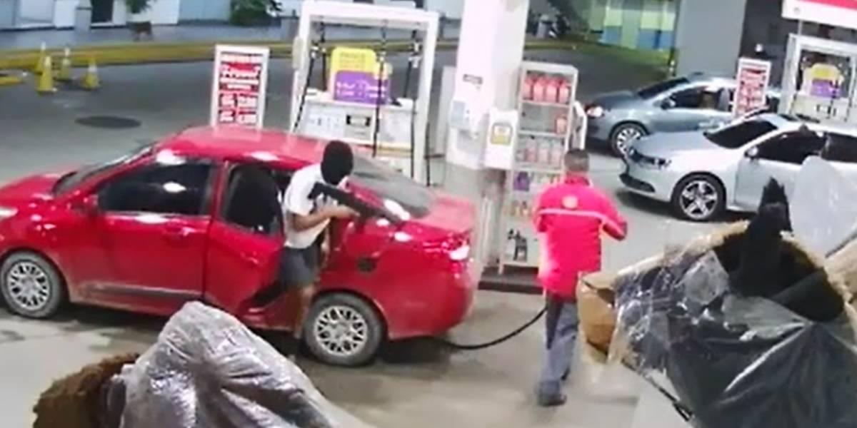 Câmeras flagram assalto a posto de gasolina na Região Metropolitana do Rio