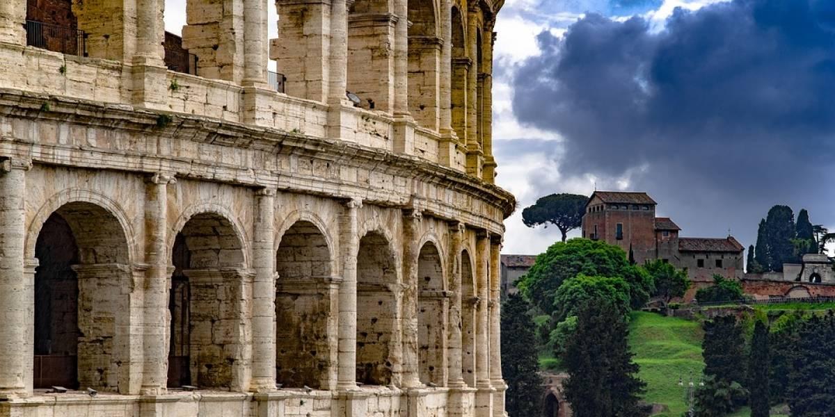 Brasileiro é denunciado por ato de vandalismo no Coliseu, em Roma