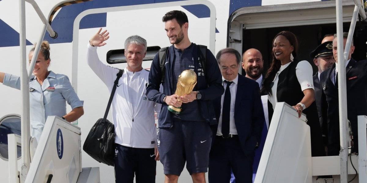 Llegó el campeón: La Copa del Mundo ya está en Francia