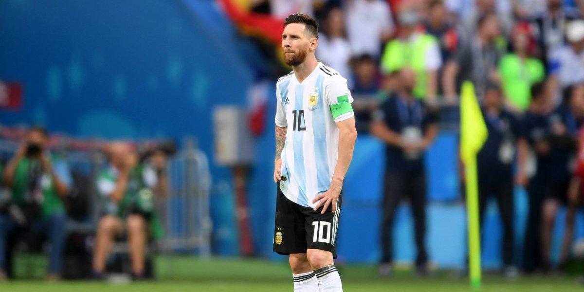 En Argentina tienen que jugar para Messi FC: Burdisso contó detalles de la pelea en el camarín con el astro argentino