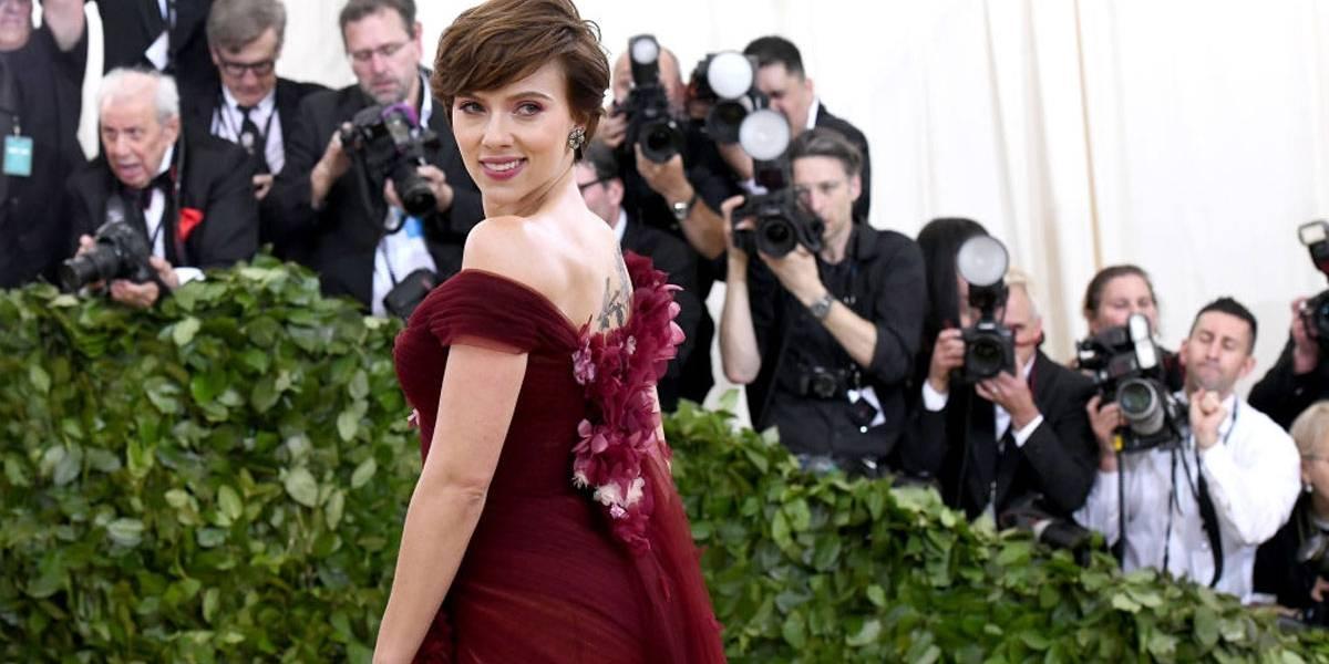 Scarlett Johansson desiste de interpretar homem trans após críticas