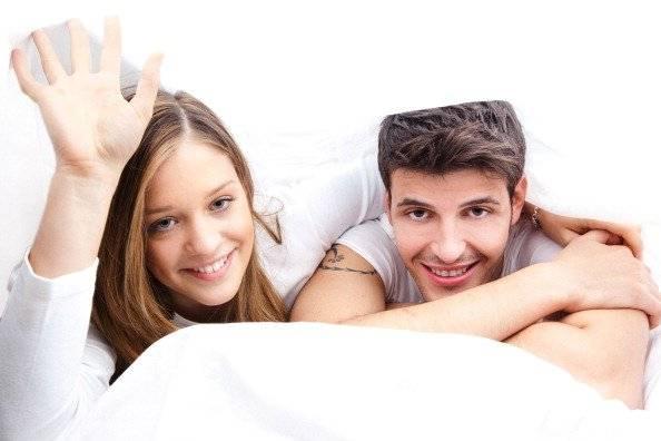 Estudio revela que a las personas guapas no se le dan las relaciones estables