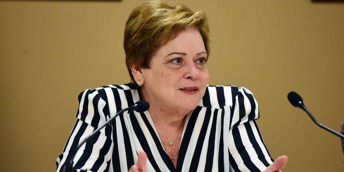 Aida Díaz evalúa renunciar a la Asociación de Maestros