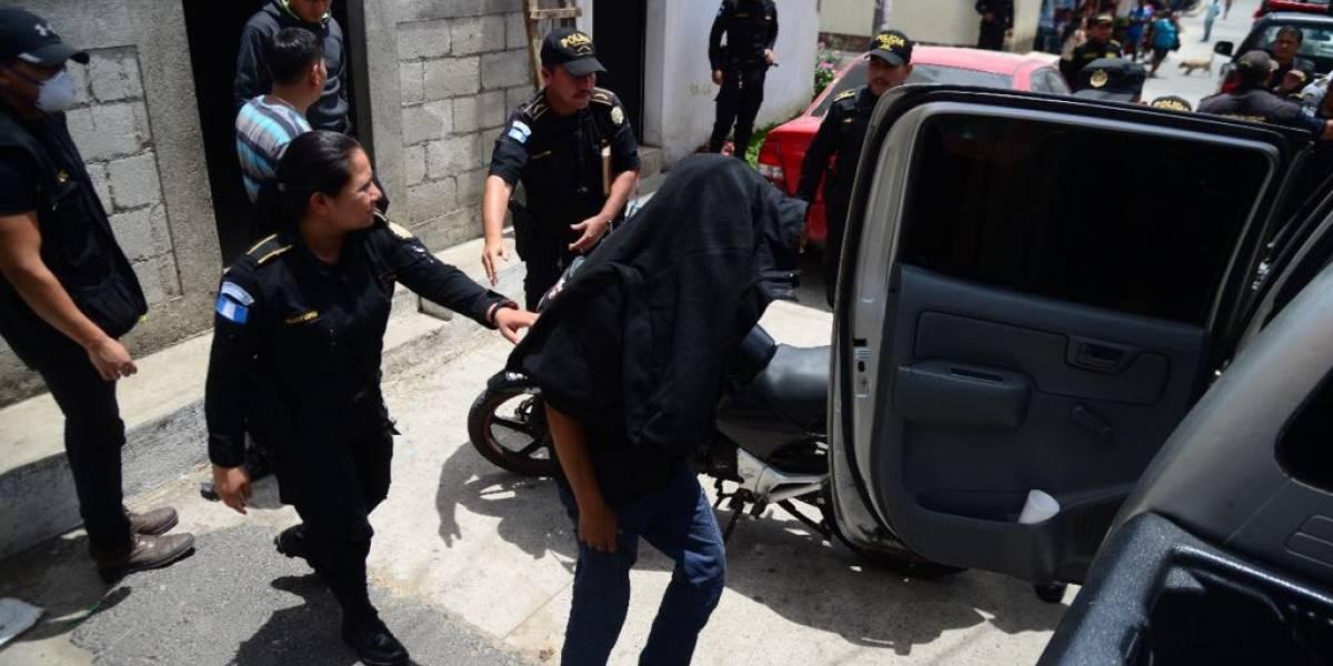 Amenazan con rescatar a presunto sicario adolescente mientras era remitido