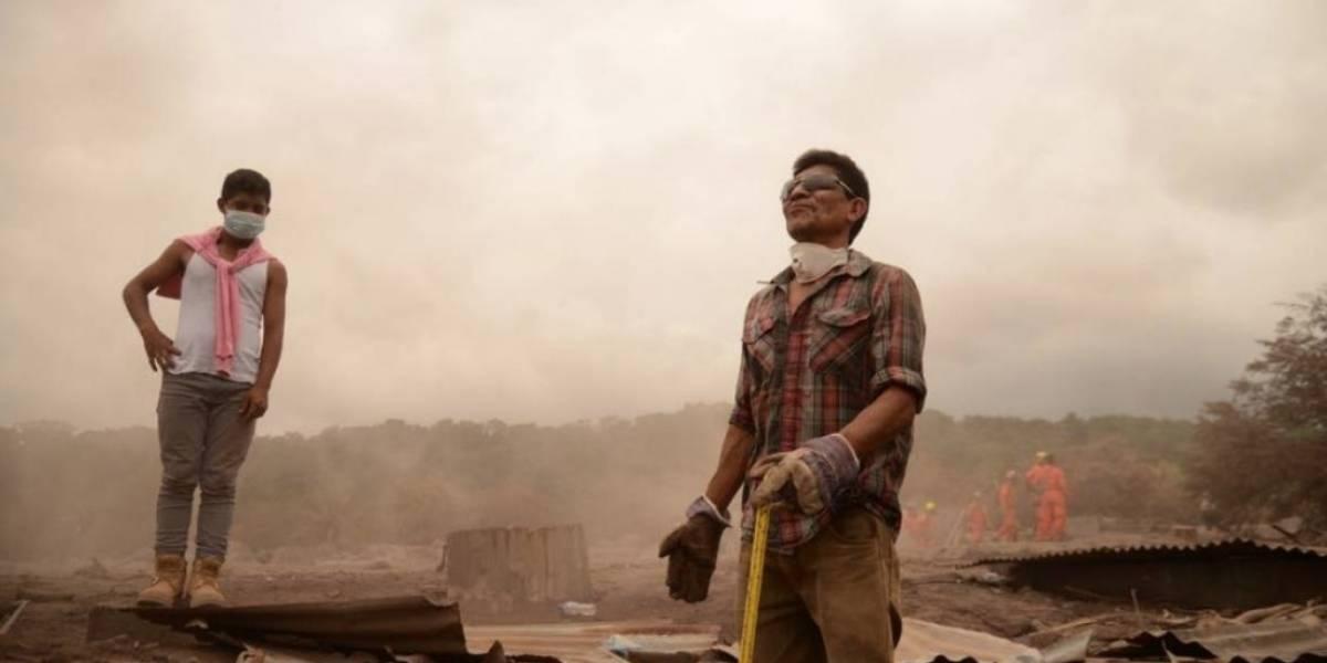 Aumenta a 116 muertos por erupción de volcán en Guatemala