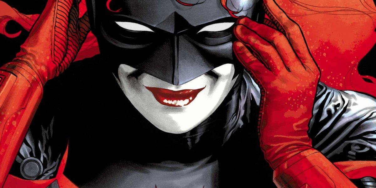 Anuncian serie de Batwoman, primera superheroína lesbiana de DC Comics