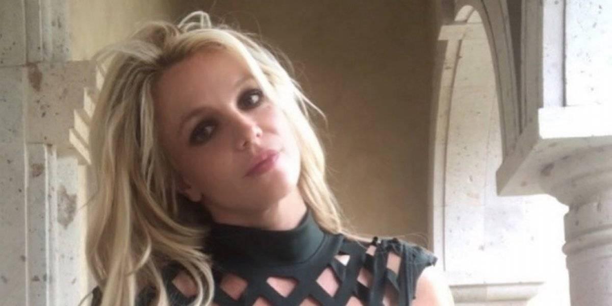 Spears obtiene orden de alejamiento contra exconfidente