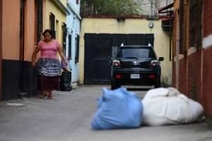 localizan dos cadáveres envueltos en sábanas en la zona 6